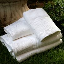 0015416_kit-toalha-de-rosto-lavabo-com-02-pecas-sunset-t-3318-branco-marken-fassi_550